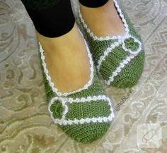 Colored Box Braids, Long Box Braids, Box Braids Styling, Crochet Slippers, Filet Crochet, Knitting Socks, Hair Designs, Leg Warmers, Booty