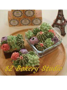 Cactus cake project #Facebook 82 Bakery Studio # Instragram 82 Bakery Studio Cactus Cupcakes, Cactus Cake, Cute Cupcakes, Korea Cake, Buttercream Flower Cake, Wedding Cake Decorations, Sweets Cake, Flower Cakes, Candy Making