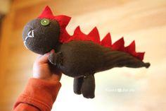 Sockasaurus [Sock Dinosaur] made with single sock
