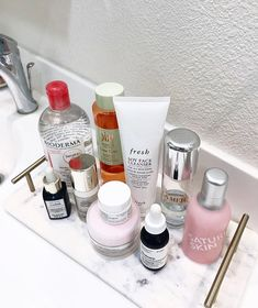 🌹 ✨ new skin routine ✨ 🌹 on we heart it Beauty Care, Beauty Skin, Beauty Makeup, Health And Beauty, Skin Routine, Skincare Routine, Perfume, Girly, Skin Care