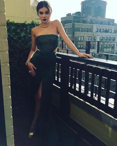Hailee Steinfeld glamorous