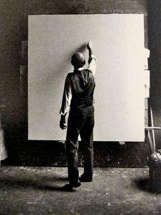 Lucio Fontana, Milano 1964, photographer Ugo Mulas (1928-1973) Italian