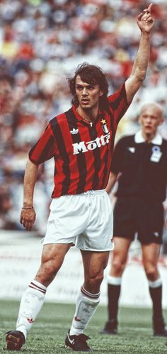 Paolo Maldini Legends Football, Football Soccer, Football Players, Paolo Maldini, Ac Milan, Milan Wallpaper, Victoria Justice, Chelsea Fc, Tottenham Hotspur