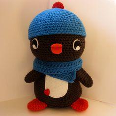 Huggable Amigurumi Penguin  crochet pattern  PDF door anapaulaoli, $4.00