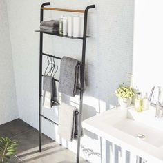 Yamazaki Home Black Steel & Wood Wide Leaning Ladder Hanger Bathroom Towels, Small Bathroom, Bathroom Ladder, Ladder Hanger, Mini Bad, Adjustable Shelving, Space Saving, Small Spaces, Loft