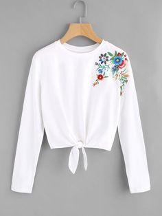 To find out about the Knot Front Flower Embroidered Tee at SHEIN, part of our latest T-Shirts ready to shop online today! Girls Fashion Clothes, Teen Fashion Outfits, Outfits For Teens, Girl Outfits, Fashion Dresses, Crop Top Outfits, Cute Casual Outfits, Pretty Outfits, Jugend Mode Outfits