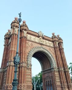 S'expatrier a Barcelone #Arcdetriomf #barcelona