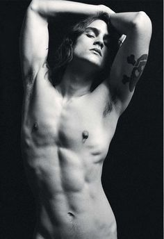 long-and-monochrome:    Ed Marquezini  † men with long hair in black and white †