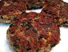 Hamburguesas de carne picada y espinacas