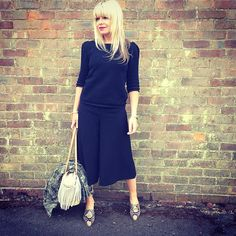 Off to the @lauraashleyuk press day this afternoon, quick meeting then dinner with R. Looking forward to seeing what fab fashion and interiors @lauraashleyuk have in store for AW15 it has got to be said I am a fan  #lauraashleyaw15 #fashion #interiors #fblogger #streetstyle #surrey #uk #fashionblog #mumstyle #mumblog #lookoftheday #instastyle #ootd #instaoutfit