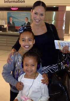 Kristie Ray of Dance Moms with her daughter Asia and little sister - Asia Beyonce Dancers, Ray Wilkins, Asia Ray, Asia Monet Ray, Reality Tv Stars, Dance Moms, Little Sisters, Mom And Dad, Role Models