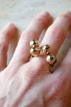Monica Castiglioni A Pistilli 08 – Una Bold Jewelry, Cute Jewelry, Silver Jewelry, Jewelry Accessories, Jewelry Design, Monica Castiglioni, Wire Wrapped Rings, Minimalist Jewelry, Beautiful Rings