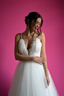 Süti és más...: Esküvői ruhák fotózása Wedding Dresses, Fashion, Bride Dresses, Moda, Bridal Gowns, Fashion Styles, Weeding Dresses, Wedding Dressses, Bridal Dresses
