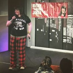 Repping the homeland at the @beckygoodjokes Holiday Special Pajama Jam 🤘🏼#PORTLASKA .  .  #comedy #beckywiththegoodjokes #portland #pdx #comedian #show #pdxevents #alaska #oregon #alaskan #standup #standupcomedy #tv #webshow #jokes #pdxpipeline #comedians #love #music #holiday #christmas #pajamas #pjs #snow #rockandroll #portugaltheman #907