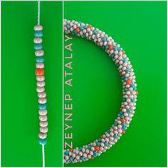 Crochet Bracelet Pattern, Loom Bracelet Patterns, Crochet Beaded Bracelets, Bead Crochet Patterns, Bead Crochet Rope, Bead Loom Bracelets, Bracelet Crafts, Beaded Jewelry Patterns, Jewelry Crafts