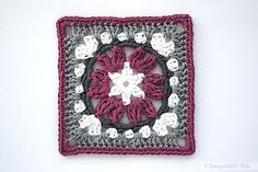 Anemone Granny Square | Free crochet pattern by Emmy + LIEN