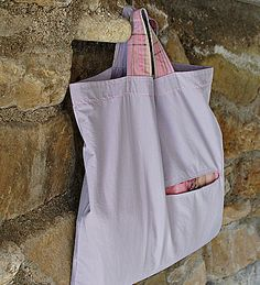 tutorial & pattern for this practical shopping bag that can be folded into a much smaller size pocket