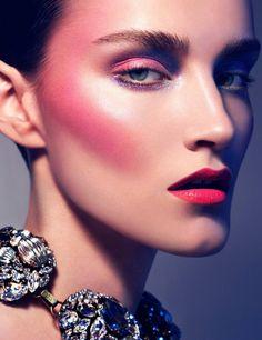 Be Inspired: Pigmented Colors. Gloss Magazine Hair / Makeup: Heiko Palach Website: www.heikopalach.com Photographer: Anja Frers  Website: www.anja-frers.com Models: Anu and Roksana
