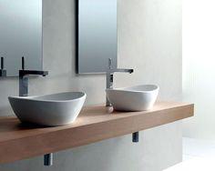 Utilizar duas cubas em um banheiro pode ser uma ótima opção.  Fonte: Doka