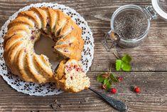 Celozrnná bábovka Healthy Cake, Rubrics, Bagel, Healthy Eating, Bread, Sweet, Recipes, Food, Být Fit