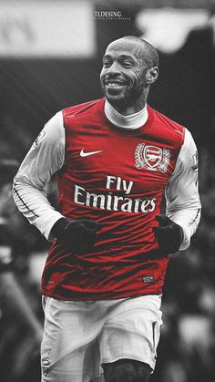 Football Players Photos, Arsenal Football, Football Boys, Arsenal Fc Players, Thierry Henry Arsenal, Arsenal Wallpapers, Pogba, Cristano Ronaldo, Sports Highlights