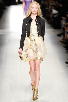 Blumarine Spring 2014 Ready-to-Wear Fashion Show - Maud Welzen