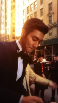 Siwon Choi on May 2013 at 7 pm in Loewen Cluster, Dempsey Hill in Singapore for the Chanel Cruise 2013 2014 show. Super Junior, Leeteuk, Heechul, Song Seung Heon, Choi Siwon, I Go Crazy, How To Play Drums, Last Man Standing, Korean Artist
