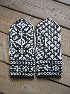 Manly Mittens,  Oct 2009 by yarn jungle, via Flickr