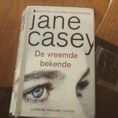 2/52 Een prettig leesbare thriller van Jane Casey met Maeve in de hoofdrol. Vasthoudend tot het eind om moorden in het heden te verbinden met een moord van 20 jaar geleden. Supervrouw!