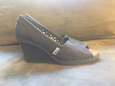 e8e5b475c67 Toms Gray Canvas Peep Toe Wedges Womens Size 6.5  fashion  clothing  shoes   accessories  womensshoes  heels  ad (ebay link)