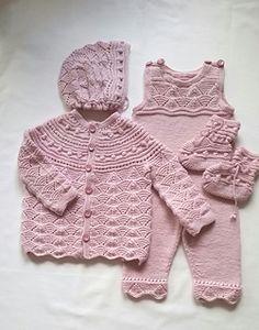 Ravelry: Dalegarn Baby Hentesett 22602 pattern by Kari Haugen Free Baby Sweater Knitting Patterns, Crochet Baby Blanket Free Pattern, Baby Girl Crochet, Crochet Baby Clothes, Crochet For Boys, Knitting For Kids, Knit Patterns, Baby Knitting, Cardigan Bebe