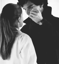 """Tumblr--when fans who haven't seen the Empty Hearse yet ask me whether this photo is real or fake, I don't want to ruin it, so I say """"YES."""" When they ask what that means, I say """"Spoilers."""" And they pull an Anderson. Just wait and see, it's worth it! #Sherlocklives"""