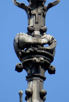 La vouivre de Notre-Dame de Paris vue du chevet