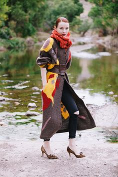 Jane Aldridge mixes prints like a pro // leopard heels + colorful coat Vintage Coat, Vintage Looks, Girl Fashion, Womens Fashion, Fashion Edgy, Street Style, Look Cool, Who What Wear, Autumn Winter Fashion