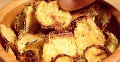 Impressionnez vos proches pour l'apéro avec cette recette allégée de chips maison vraiment addictive aux courgettes. Une alternative originale et très gourmande!Simples à réaliser et très g...