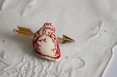 MADE TO ORDER - Valentine's Day // Heart and arrow embroidered brooch. €14.00, via Etsy.
