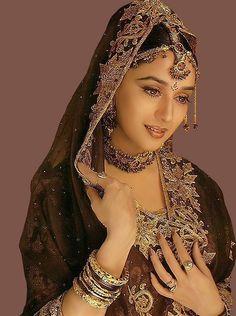 Любовь и ненависть / Принц / Rajkumar (1996 г.) – MADHURI DIXIT