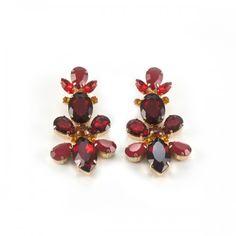 TERIA YABAR - Pendientes Rojos - Pendientes largos rojos. No pesan y son de clip.