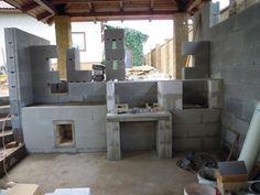 Stavba venkovní kuchyně