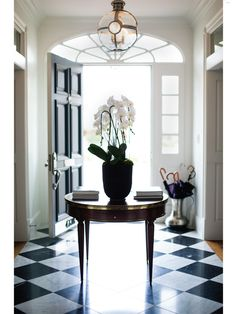 "The  foyer is lined with a black-and-white checkerboard of marble recalls ""old bank lobbies"" - See more at: http://fdluxe.dallasnews.com/2013/04/revisionist-history.html/#sthash.wJtJPm04.dpuf"