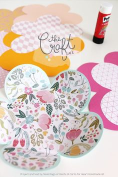 Silvia Raga from Giocha Di Carta shares a great tutorial and tells us how to make beautiful, decorative flower envelopes. A simple papercrafts tutorial!