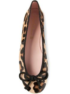 Shop Pretty Ballerinas leopard print ballerinas in Smets from the world's best independent boutiques at farfetch.com. Over 1000 designers from 300 boutiques in one website.