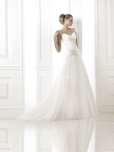 BERIT B, Pronovias