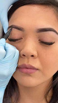 Another brow outline video for you! Cat Eye Makeup, Contour Makeup, Eye Makeup Tips, Skin Makeup, Beauty Makeup, Perfect Makeup, Pretty Makeup, Simple Makeup, Makeup Looks