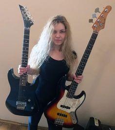"""Alexandra Lioness på Instagram: """"Dala sam sve od sebe da i gitara i bass zvuče što je bolje moguće i što je najbitnije, da na slušaoca prenesu energiju koja me je gurala od…"""""""