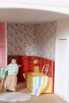 Rénovation de ma maison de poupée Lundby 1980. Pour ma fille Cécile !