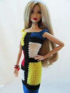 Crochet How To Colorblocking Clothes in Crochet: How to Change Colors - This article is about colorblocking by carrying the unused colors at the wrong side of the work and introducing new colors only when it starts in the pattern. Crochet Barbie Patterns, Barbie Clothes Patterns, Crochet Barbie Clothes, Crochet Dolls, Clothing Patterns, Dress Patterns, Easy Crochet, Free Crochet, Knit Crochet