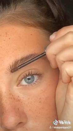 Teen Makeup Tutorial, Smokey Eye Makeup Tutorial, Makeup Tutorial For Beginners, Makeup Hacks For Beginners, Contouring For Beginners, Skin Makeup, Eyeshadow Makeup, Mac Makeup, Makeup Brushes