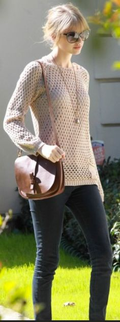 outfit post canvas slub sweater rockstar skinny jeans red ballet flats