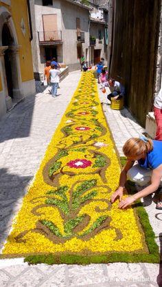 Infiorata: flower art